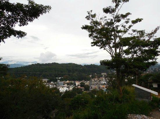 Bahiravokanda Vihara Buddha Statue: view from the hill