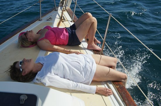 Serendipity Charters-Sailing Costa Rica: Ladies on the fore deck