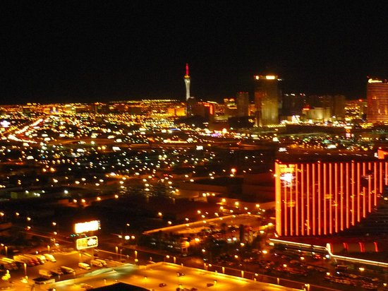 Palms Place Hotel and Spa: You can see all Vegas...