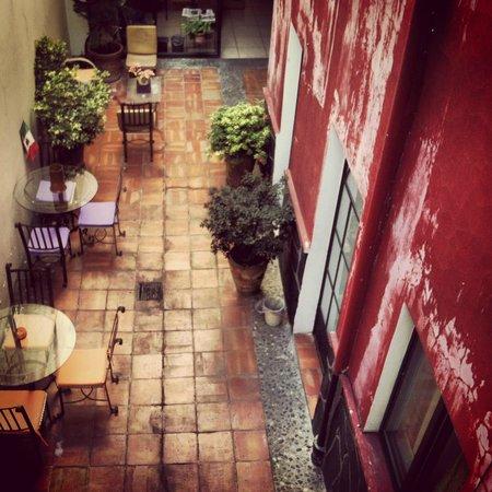 Olga Querida: Courtyard