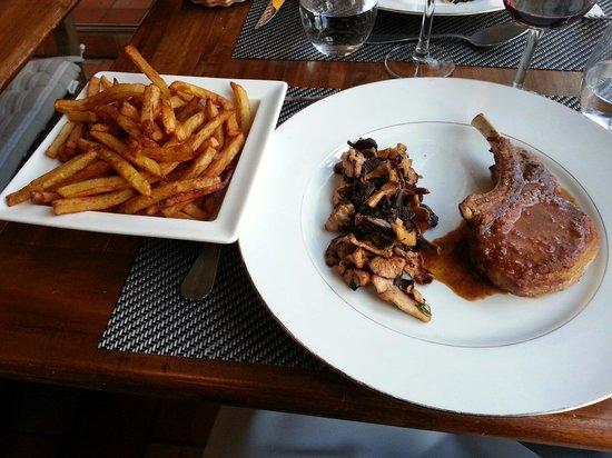 Le Bistrot Du Grand Cerf : Cote de porc noir de Bigorre...