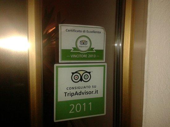 Hotel Blitzburg: L'ingresso