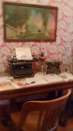 Dolly's House Museum : Dolly's second bedroom was her office