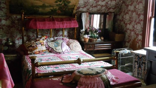 Dolly's House Museum: Dolly's bedroom