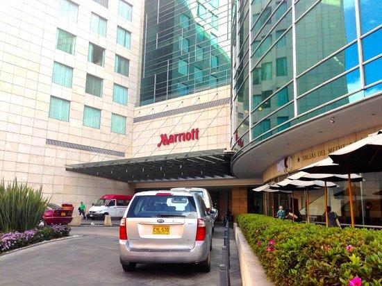 Bogota Marriott Hotel: Building entrance