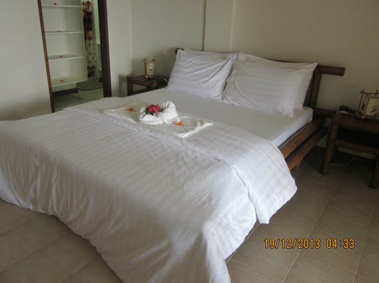Sunset at Aninuan Beach Resort: Rooms prepared
