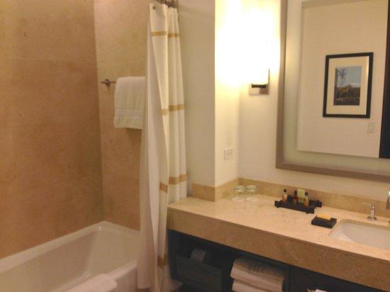 Bogota Marriott Hotel: Bathroom