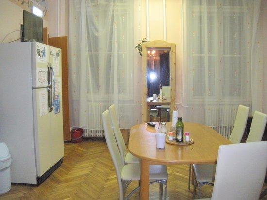 YOLO Hostel: cucina
