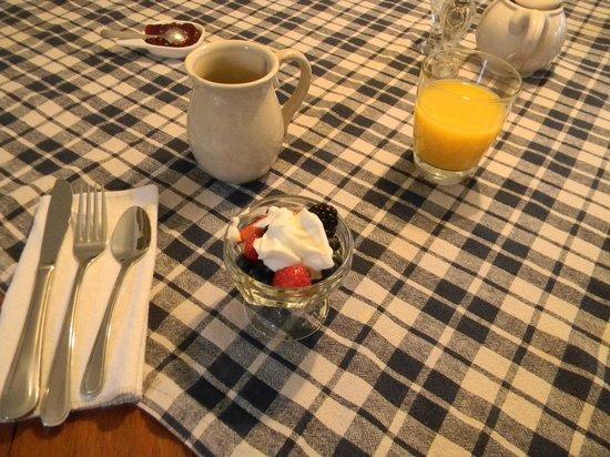 Auberge Old Chelsea: breakfast