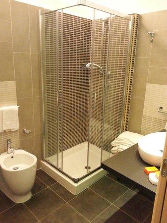 Hotel Sicilia: Bagno