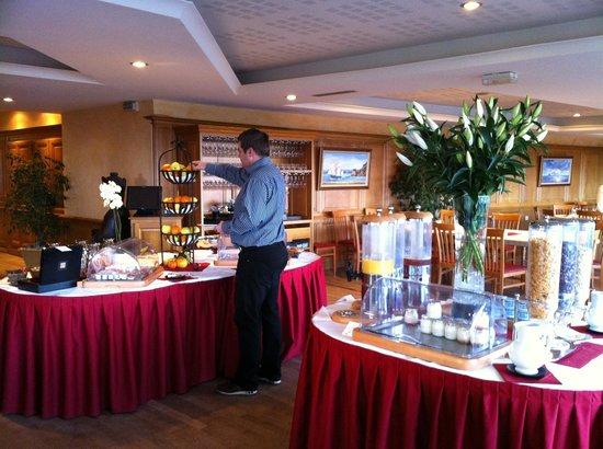 Le Relais Saint-Michel: Petit déjeuner buffet