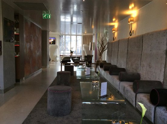 Park Plaza Vondelpark, Amsterdam: The Hotel Bar / Cafe Area