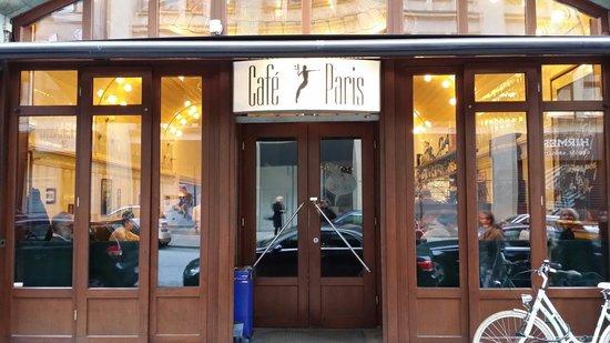 Cafe Paris: Eingang