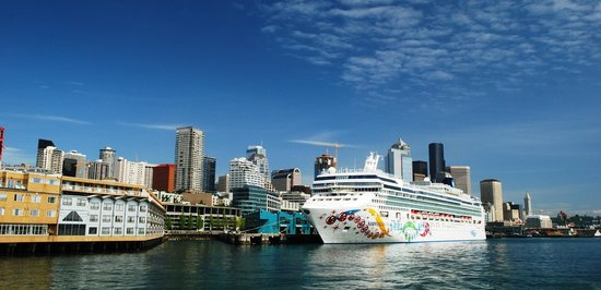 The Edgewater, A Noble House Hotel: Edgewater Hotel, waterfront + cruise ship, photo by Mike Keenan