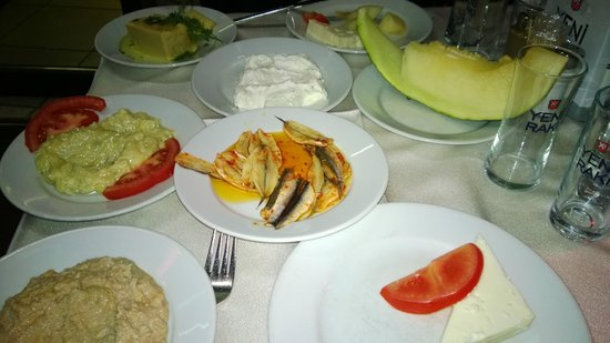 Krependeki Imroz Restaurant : Our meze selection at Imroz