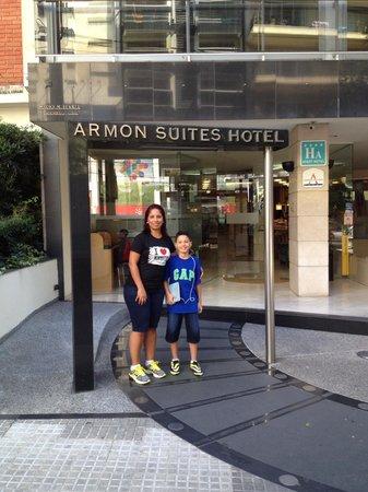 Armon Suites Hotel: Frente hotel