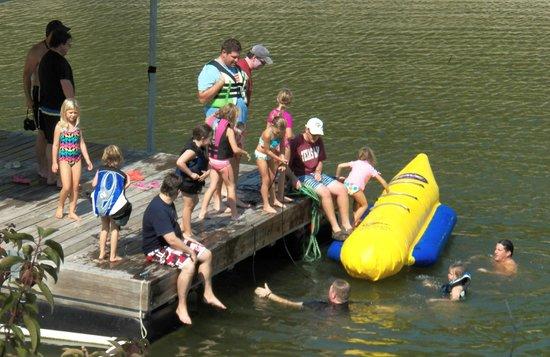 Cherokee Village Resort: Private Dock