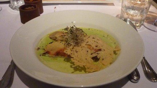 Siete Cocinas : Canelones de conejo en sopa de puerros suave y queso a la placnha