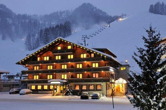 Hotel Alpenrose: direkt an der Piste