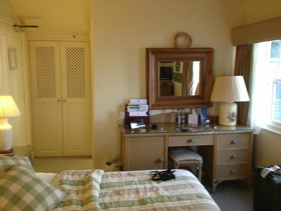 Red Lion Hotel : Room