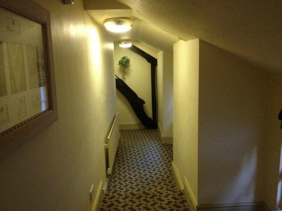 Red Lion Hotel: Upstairs Hallway