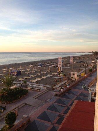Hotel Mediterráneo Carihuela: View from the balcony towards Benaldadena Harbour