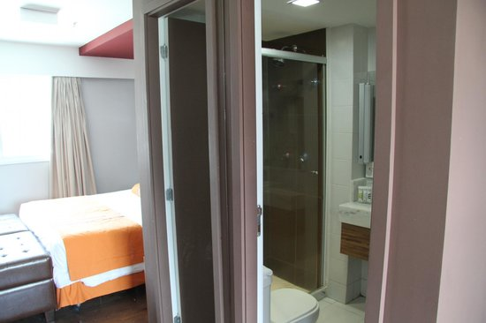 Quality Suites Botafogo: Bathroom
