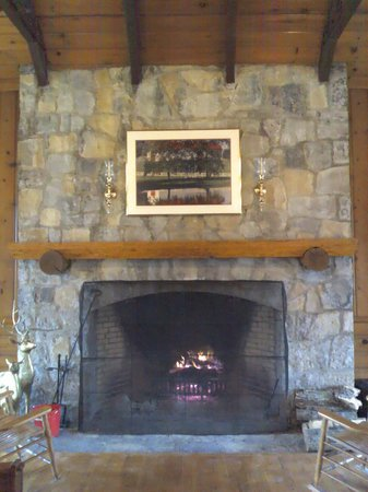 Pennyrile Forest State Resort Lodge : Fireplace at main lodge