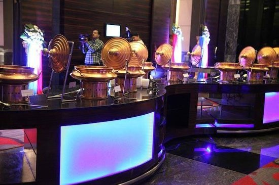 JW Marriott Hotel Pune: Buffet on the foyar
