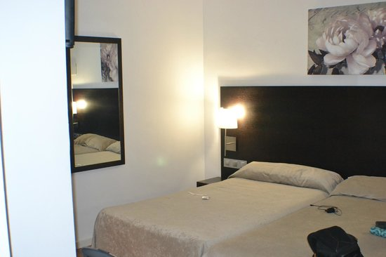 Hotel Maza: Habitación