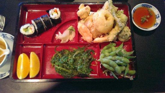 Spicy Tuna: Bentos Veggie Tempura