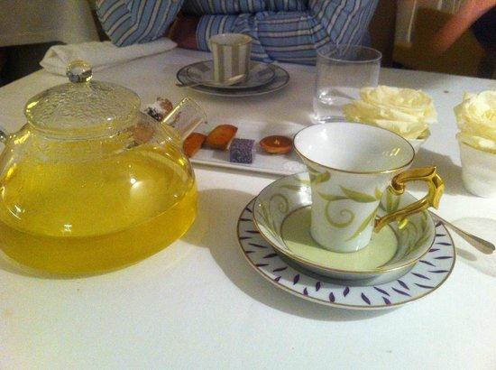 Mosconi : tea and coffee
