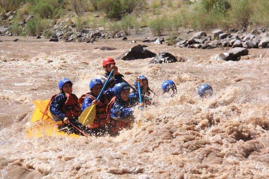 Esplendor Mendoza: rafting en potrerillos
