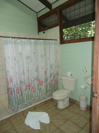 Evergreen Lodge: Bathroom