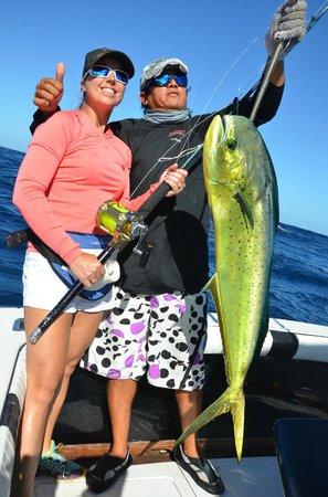 Wetass II Sportfishing : nice Mahi for Sonia
