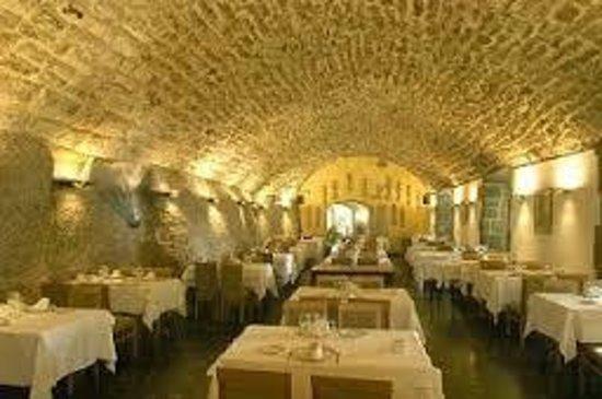 Restaurant Abat Cisneros: interior del comedor
