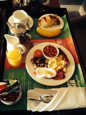 Holiday Inn Birmingham-Bromsgrove: Breakfast to our room mmm