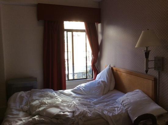 Grant Plaza Hotel: room