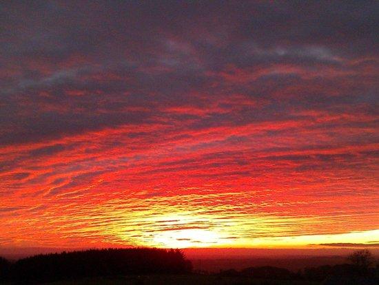 Beacon Hill Farm: Sunset from Beacon Hill