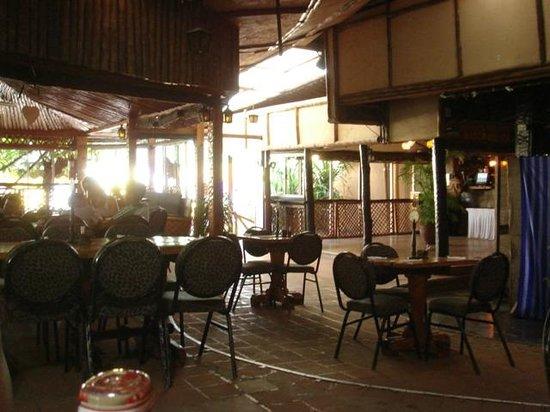 The Carnivore Restaurant: Bar