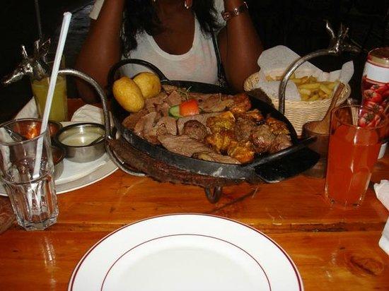 The Carnivore Restaurant: Assortiment de viandes