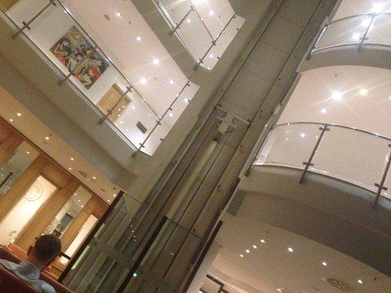 Sheraton Muenchen Airport Hotel: Lobby