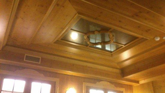 Albergo Giardino: soffitto sala da pranzo