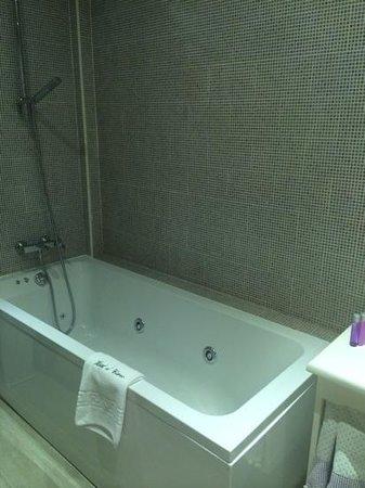 El Ciervo : salle de bain chambre 113