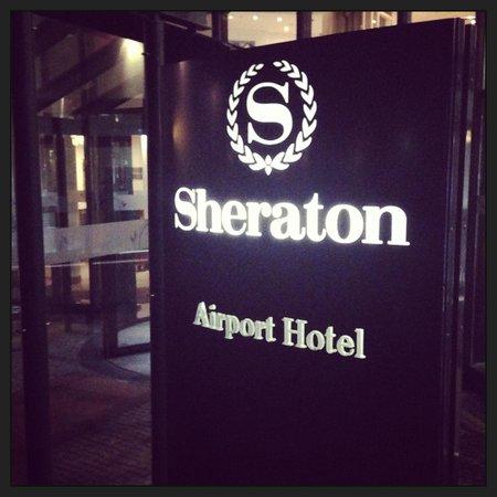 Sheraton Muenchen Airport Hotel: Hotel outside