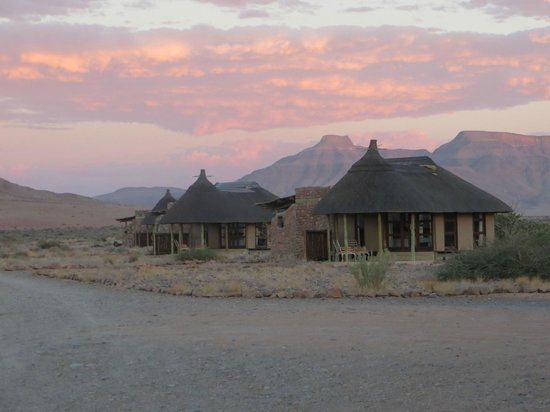 Hoodia Desert Lodge: Sunset at Hoodia Lodge