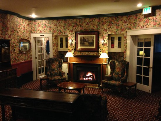 White Swan Inn: Salón junto al desayuno