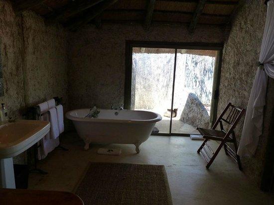 Tanda Tula Safari Camp : Bañera