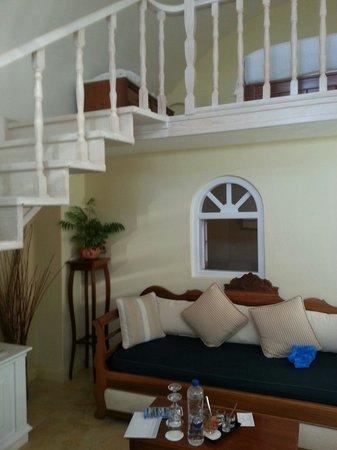 Nefeles Suites Hotel: our apartment