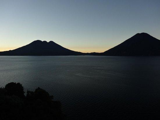 Lomas de Tzununa: Sunset from the room
